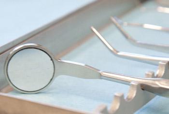 Zahnarzt-Behandlungs-Besteck