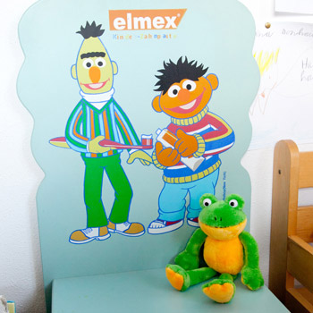 Lustiger Kinderstuhl mit Figuren